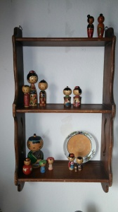kokeshi shelf